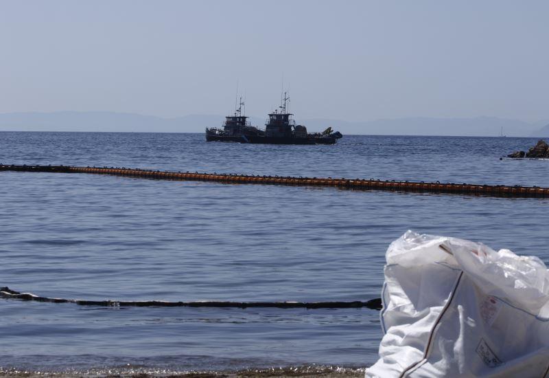 Κερατσίνι: Θαλάσσια ρύπανση από διαρροή σε πλοίο