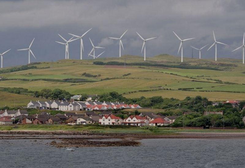 Μόνο από ΑΠΕ η ηλεκτρική ενέργεια στη Σκωτία έως το 2020