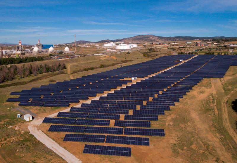 ΕΛΠΕ Ανανεώσιμες: Σε δοκιμαστική λειτουργία τρία νέα φωτοβολταϊκά πάρκα