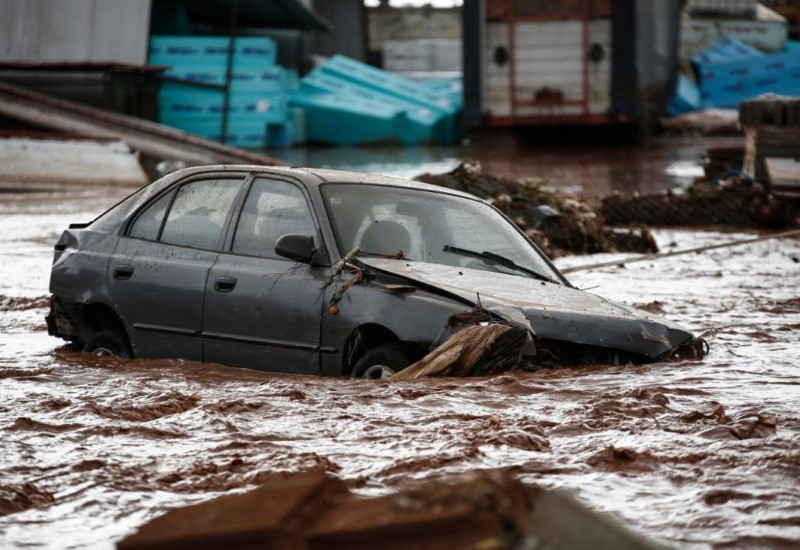 Οι πλημμύρες οφείλονται στον… άνθρωπο!