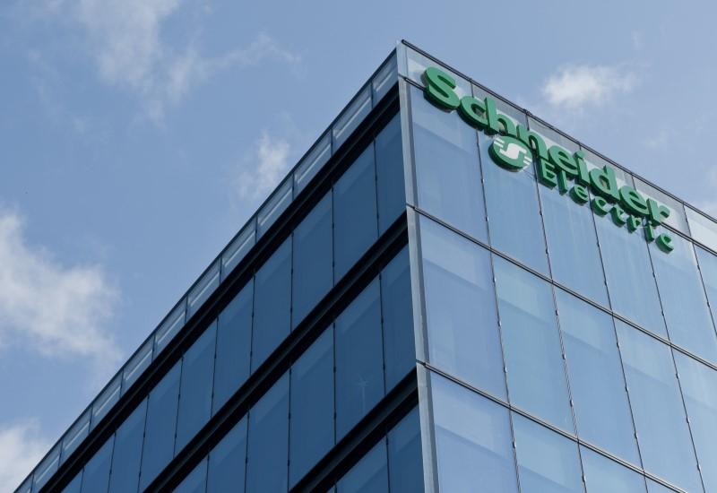 H Schneider Electric επενδύει στο IoT για εξοικονόμηση ενέργειας