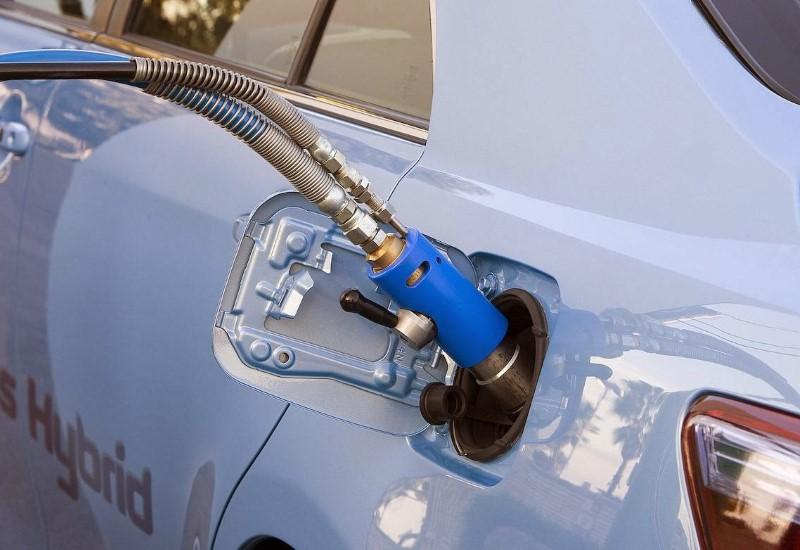 Πώς θα βάλετε στο βενζινοκίνητο όχημα σας φυσικό αέριο;
