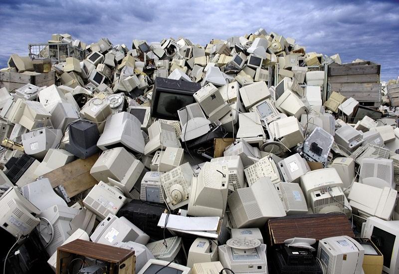 Τα παγκόσμια ηλεκτρικά απόβλητα έχουν ίδιο βάρος με… τις 9 πυραμίδες της Γκίζας!