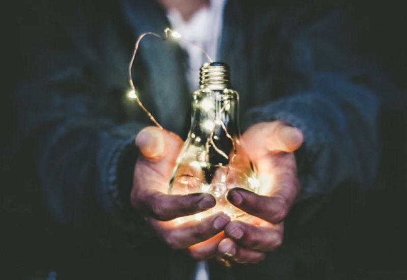 ΥΠΕΝ: Παρεμβάσεις για την αντιμετώπιση της ενεργειακής φτώχειας