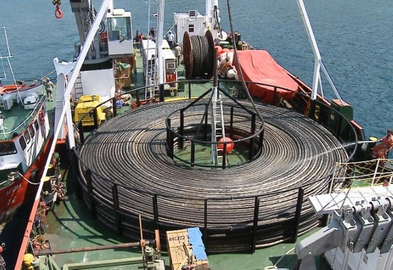 Μείωση στον λογαριασμό ρεύματος φέρνει το έργο της διασύνδεσης των Κυκλάδων