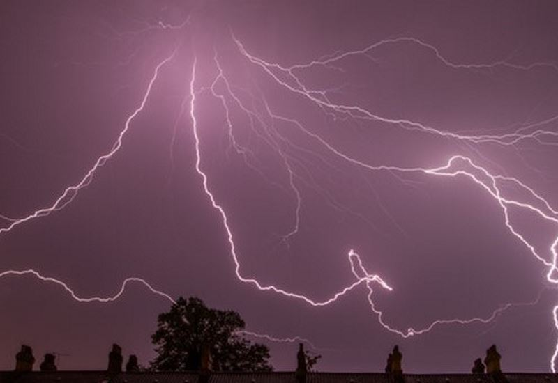 Τα φυσικά φαινόμενα επηρεάζουν σοβαρά το ηλεκτρικό δίκτυο