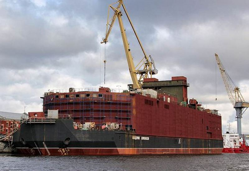 Ρωσία: H πρώτη πλωτή πυρηνική μονάδα ηλεκτροπαραγωγής στον κόσμο