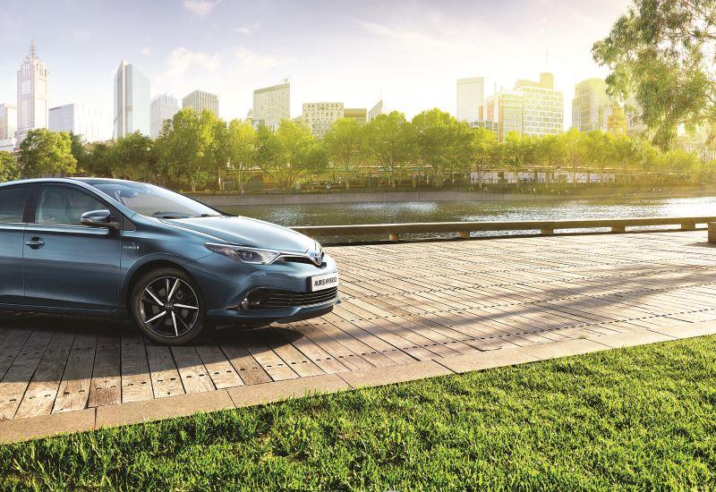 Toyota: 1,52 εκατ. πωλήσεις υβριδικών ηλεκτρικών οχημάτων το 2017