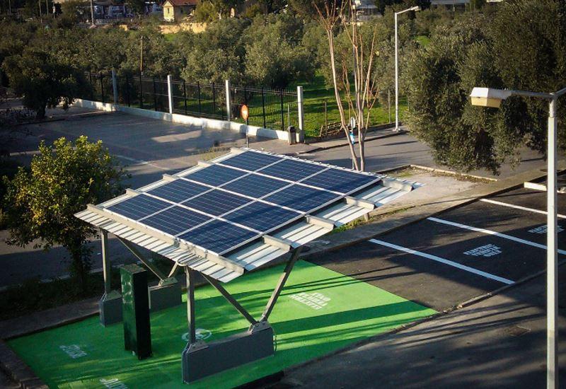 Ο πρώτος ηλιακός σταθμός φόρτισης ηλεκτροκίνητων οχημάτων στην Τήλο