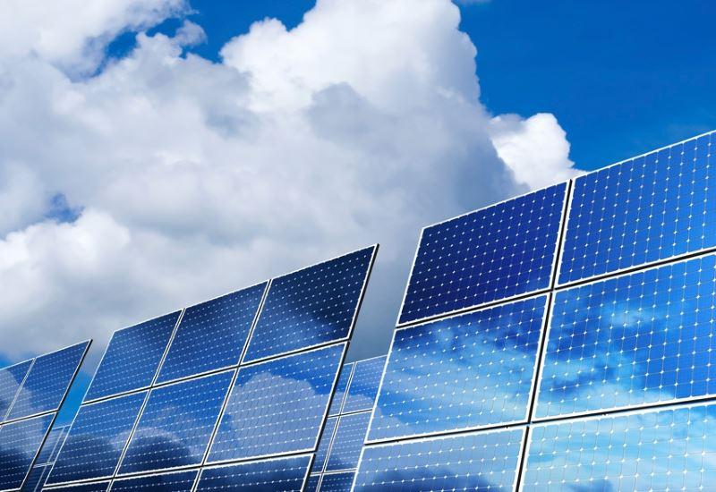 Ανοίγει ο δρόμος για βελτίωση της αποδοτικότητας των φωτοβολταϊκών;