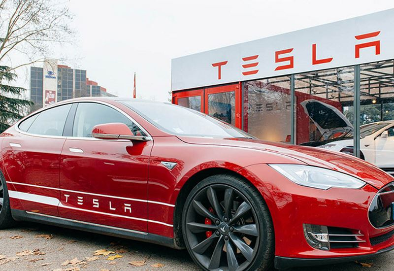 Tesla: Ζημίες 709,6 εκατ. δολαρίων στο α' τρίμηνο του 2018