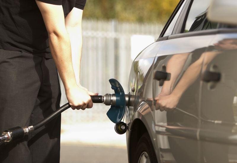 Εντός του εξαμήνου οι ΚΥΑ για τα πρατήρια εναλλακτικών καυσίμων