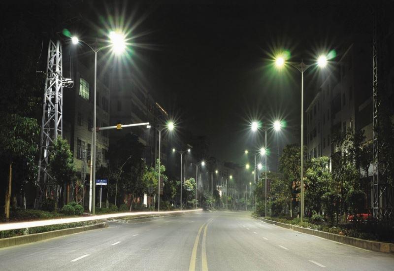 Φωτισμός LED στην Αθήνα με ετήσια εξοικονόμηση ενέργειας 65%