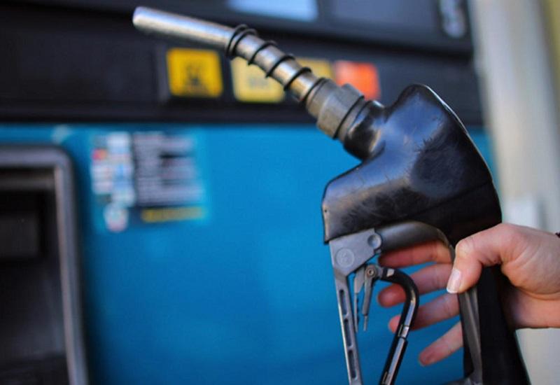 Εκτοξεύεται και πάλι η τιμή της βενζίνης