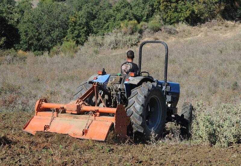 Η ΔΕΗ «τραβάει την πρίζα» από τους κακοπληρωτές αγρότες