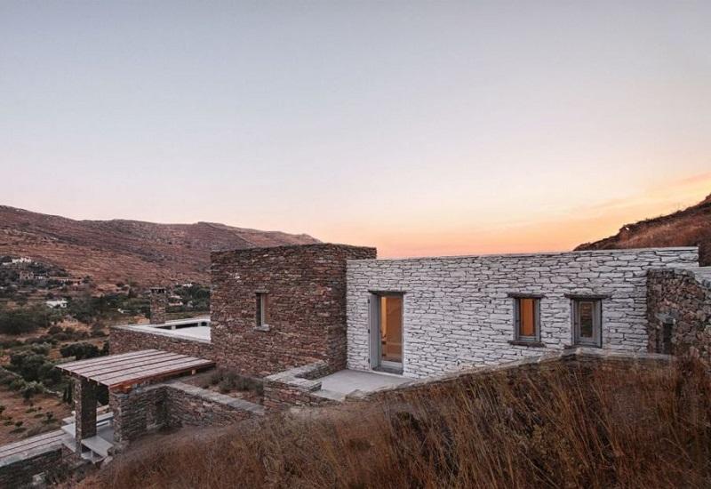 """Σ. Φάμελλος: """"H κυκλική οικονομία και η βιοκλιματική αρχιτεκτονική είναι συνδεδεμένες με τις Κυκλάδες"""""""