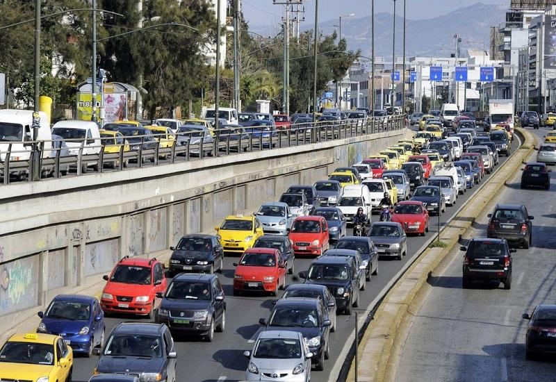 Μένει πίσω η Ελλάδα σε φορτηγά και αυτοκίνητα στην Ευρώπη