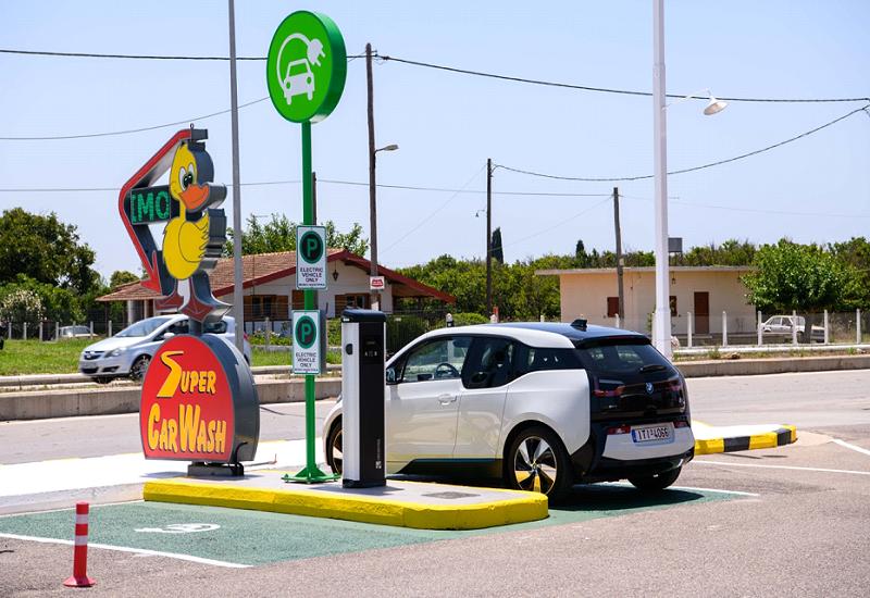 Νέοι σταθμοί φόρτισης ηλεκτρικών οχημάτων σε Αμαλιάδα και Κιλκίς