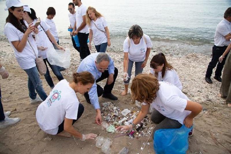Κύπρος: Coca-Cola και ΑΚΤΗ μαζί για την καταπολέμηση της θαλάσσιας ρύπανσης