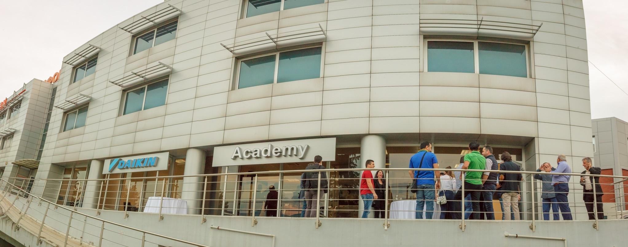 2098074f6661 Δεύτερη χρονιά επιτυχημένης πορείας για την Daikin Academy – EnergyIn