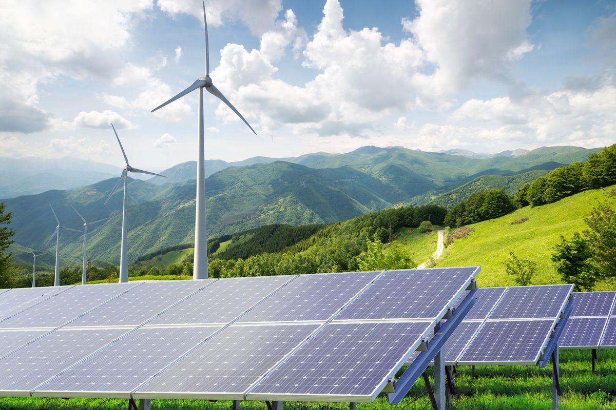 Εννέα τρισ. ευρώ επενδύσεις στην «πράσινη» ενέργεια