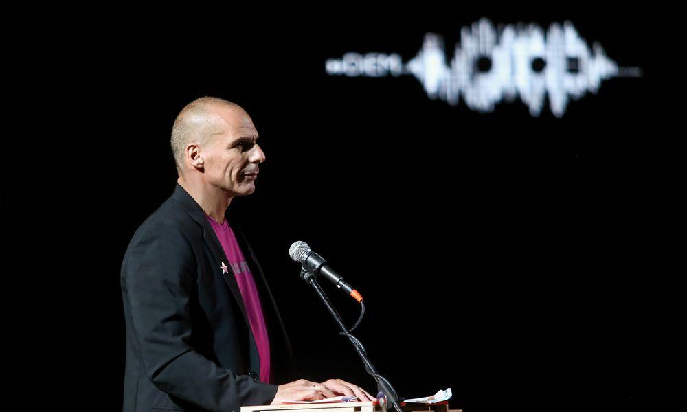 Βαρουφάκης: «Όχι» στην εξόρυξη υδρογονανθράκων