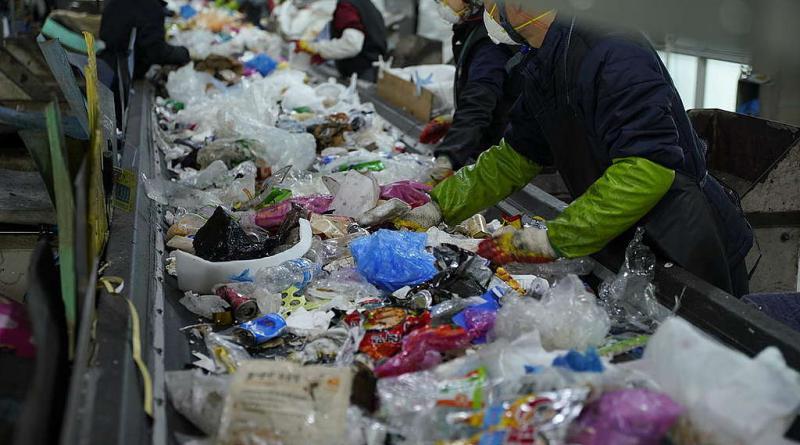 Greenpeace: Προεκλογική καύση σκουπιδιών στην Ρόδο