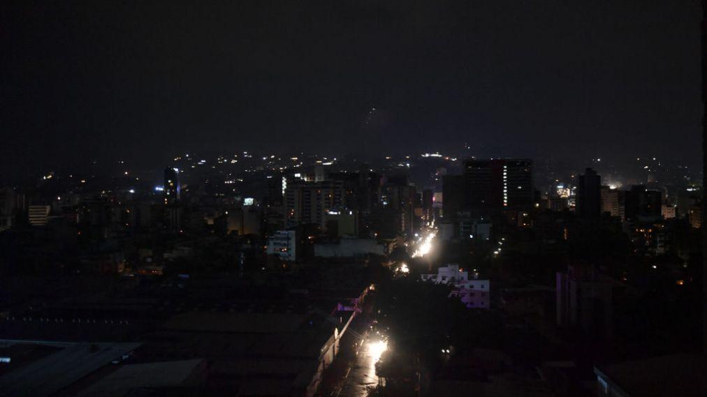 Αποκαθίσταται σταδιακά η ηλεκτροδότηση στη Βενεζουέλα