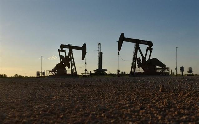 Υπό διαρκή πίεση το πετρέλαιο
