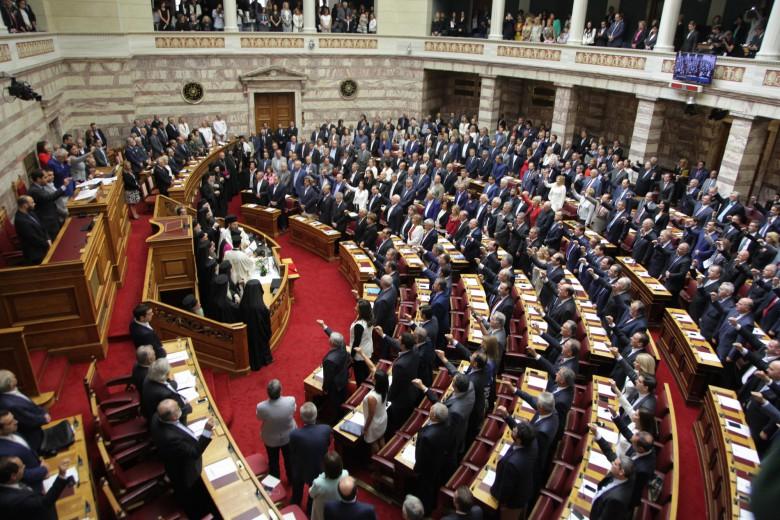 Ορκίζεται στις 11:00 η νέα Βουλή