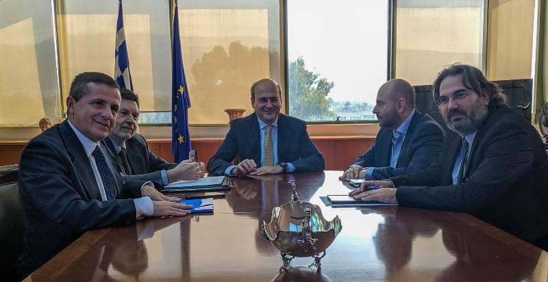 Συνάντηση Κωστή Χατζηδάκη με τον πρόεδρο του ΤΕΕ Γιώργο Στασινό