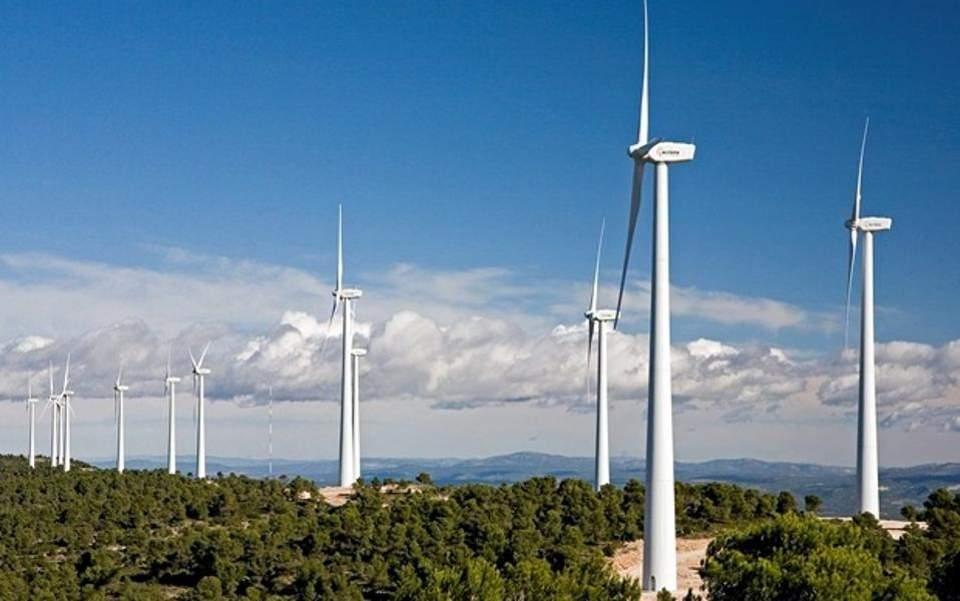 Σε δημοπράτηση νέο αιολικό πάρκο στην Τήνο από τη ΔΕΗ Ανανεώσιμες