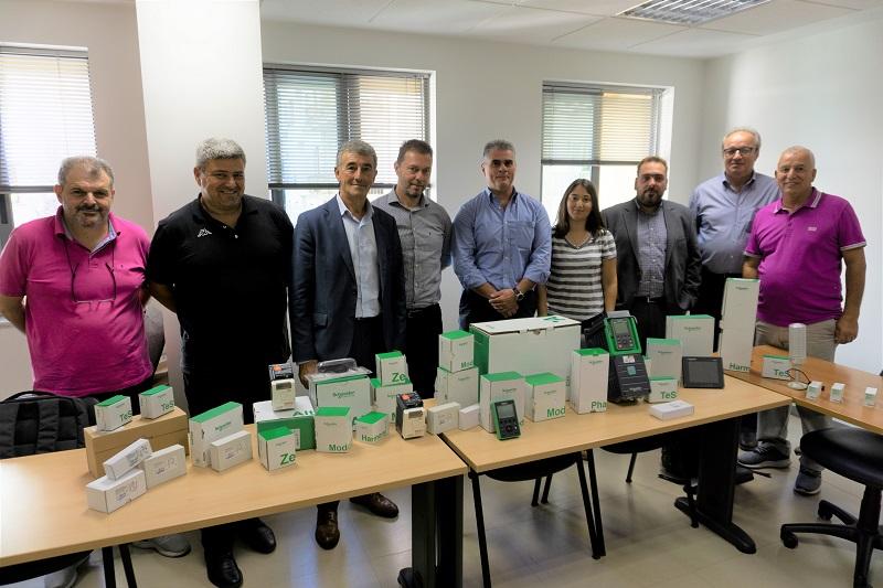 Η Schneider Electric συμμετέχει στην πρωτοβουλία της ΠΟΣΕΗ και της ΓΣΕΒΕΕ για τη δημιουργία ηλεκτρολογικού εργαστηρίου