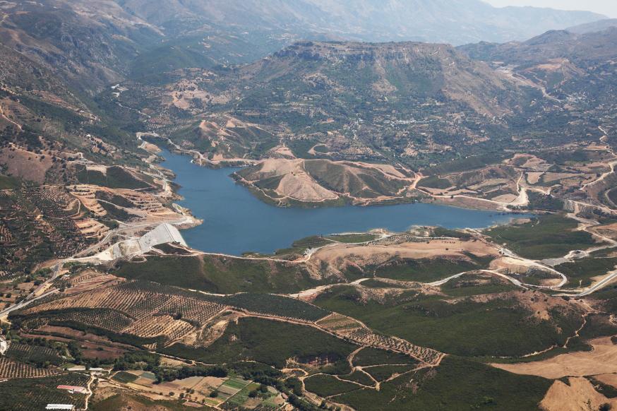 Κρήτη: Ποιες εταιρείες ενδιαφέρονται για αξιοποίηση του ταμιευτήρα Φράγματος Ποταμών Αμαρίου