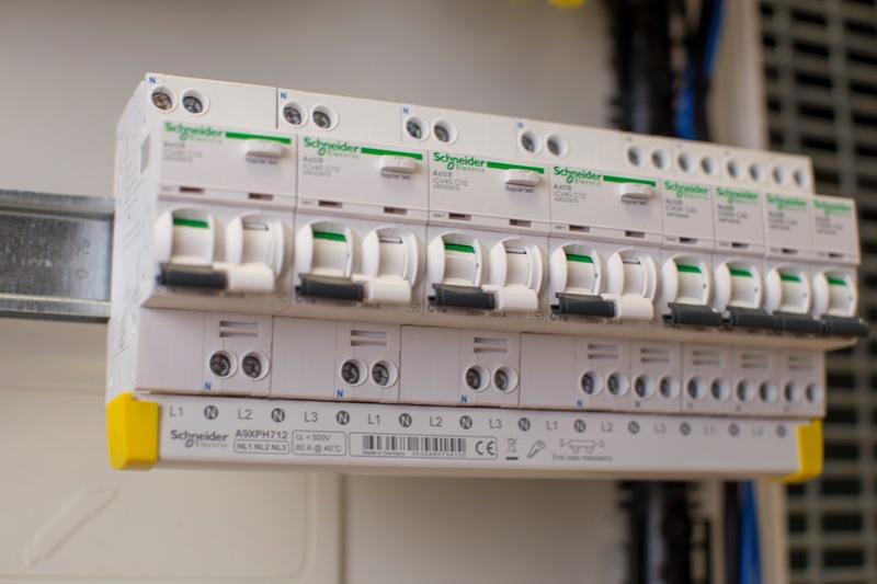 Η Schneider Electric παρουσιάζει τη νέα σειρά Acti9 iC40, υψηλής απόδοσης για τελική διανομή
