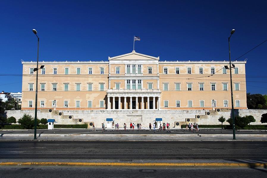 Έργο 2 εκατ. ευρώ για την εξοικονόμηση ενέργειας στη Βουλή