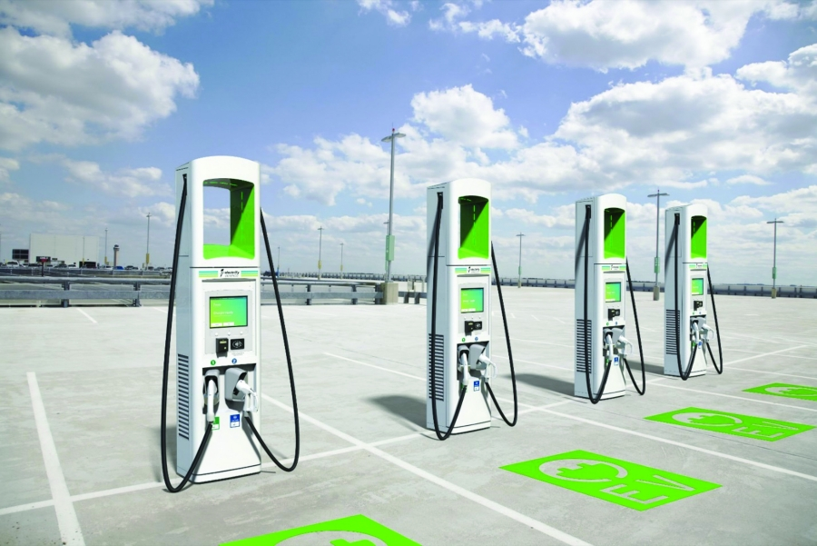 Μελέτη για την ηλεκτροκίνηση: Πόσους σταθμούς φόρτισης χρειάζεται η Ελλάδα