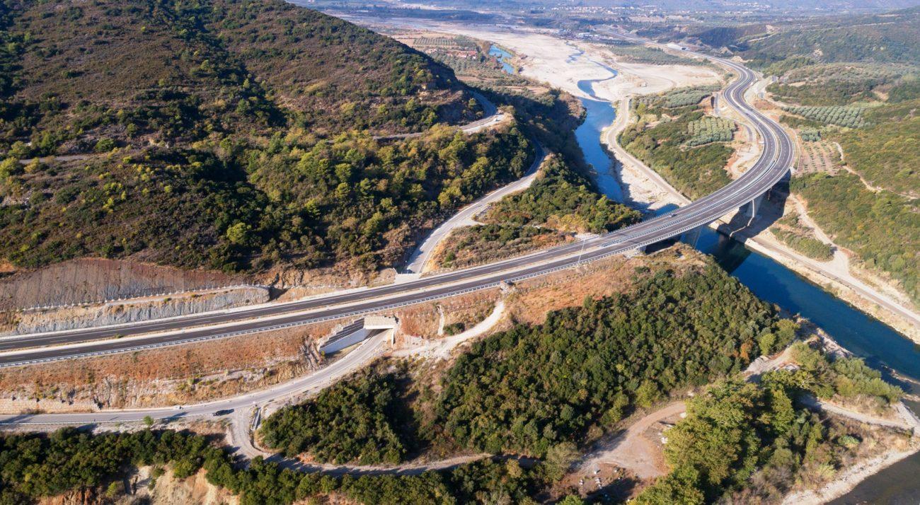 Ιονία Οδός: Η ηλεκτροκίνηση βρήκε τον αυτοκινητόδρομό της (vid)