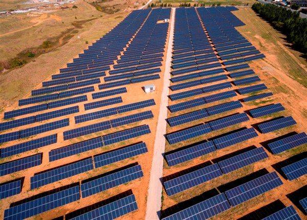 Στην ΕΛΠΕ Ανανεώσιμες το φωτοβολταϊκό πάρκο της Juwi στην Κοζάνη