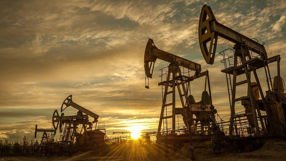 Συνεχίζεται η υποχώρηση των τιμών πετρελαίου εν μέσω πανδημίας