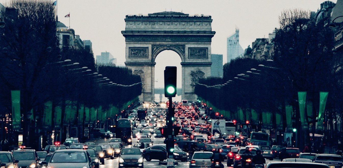 Ρώμη και Παρίσι απαγόρευσαν τα ρυπογόνα πετρελαιοκίνητα οχήματα