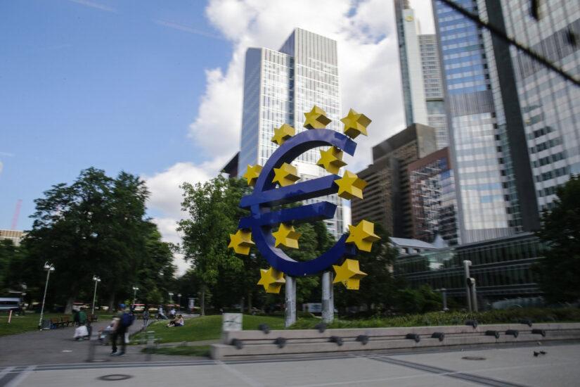 Κορονοϊός: Η ΕΚΤ προχωρά σε μαζική αγοράς ομολόγων 750 δισ. ευρώ
