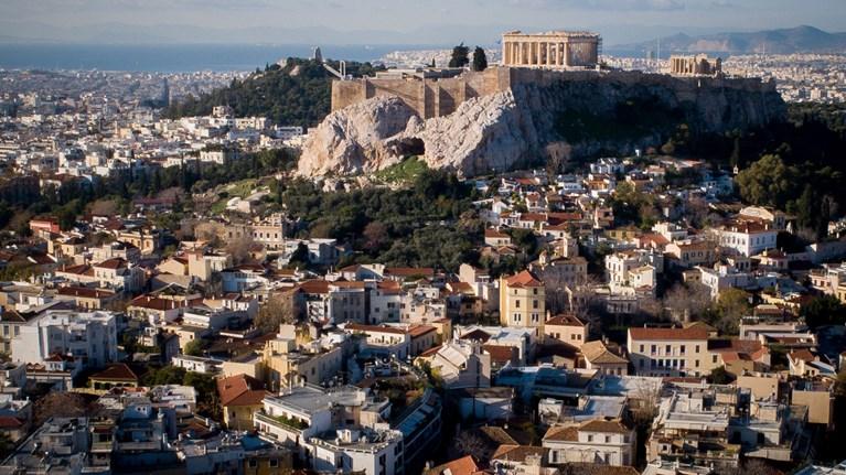 Στο «ύψος» της η Ακρόπολη, χαμηλώνουν τα κτήρια γύρω της