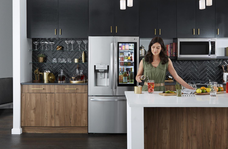 Το κορυφαίο ψυγείο LG InstaView έφτασε παγκοσμίως το 1 εκατομμύριο σε πωλήσεις