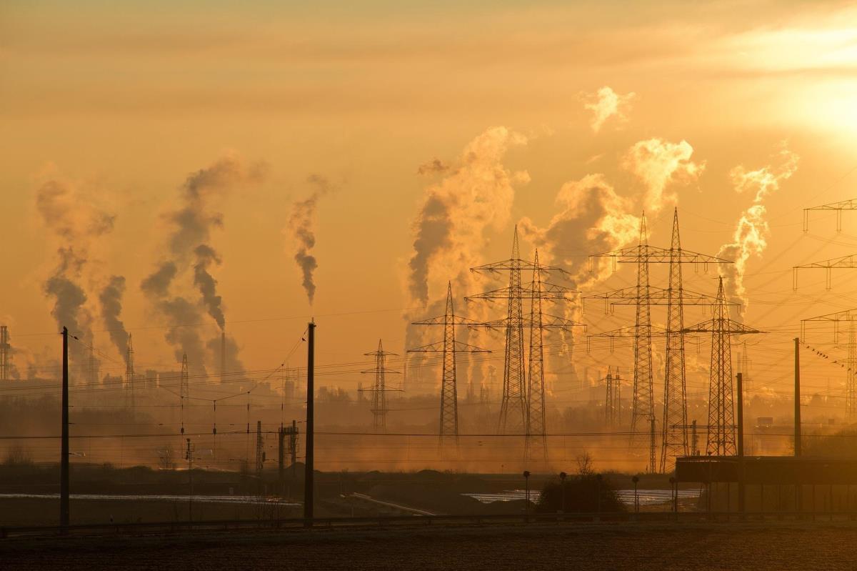 ΕΕ: Επιχειρήσεις κι επενδυτές προτρέπουν για υψηλότερους στόχους μείωσης εκπομπών αερίων του θερμοκηπίου το 2030