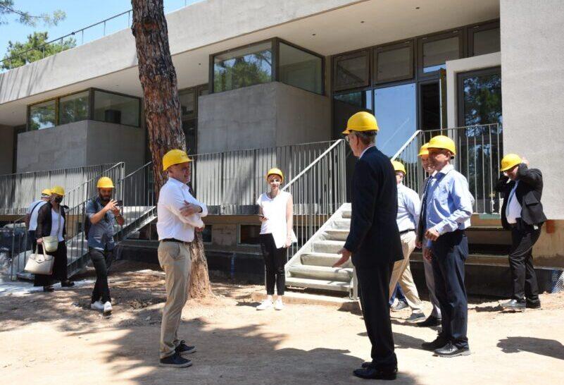 Επίσκεψη του Αμερικανού Πρέσβη στο «Anna Papageorgiou STEM Center»