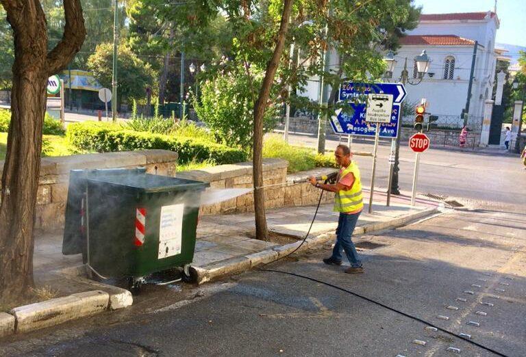 Κυριακάτικη καθαριότητα στο Κολωνάκι από τον Δήμο Αθηναίων