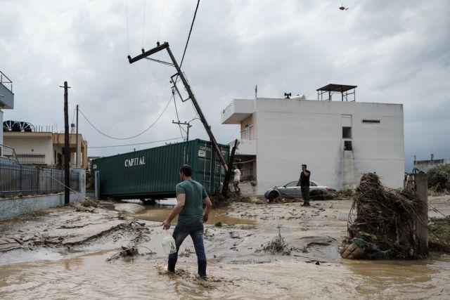 Πυρετώδεις οι εργασίες αποκατάστασης της ηλεκτροδότησης στην Εύβοια από τον ΔΕΔΔΗΕ