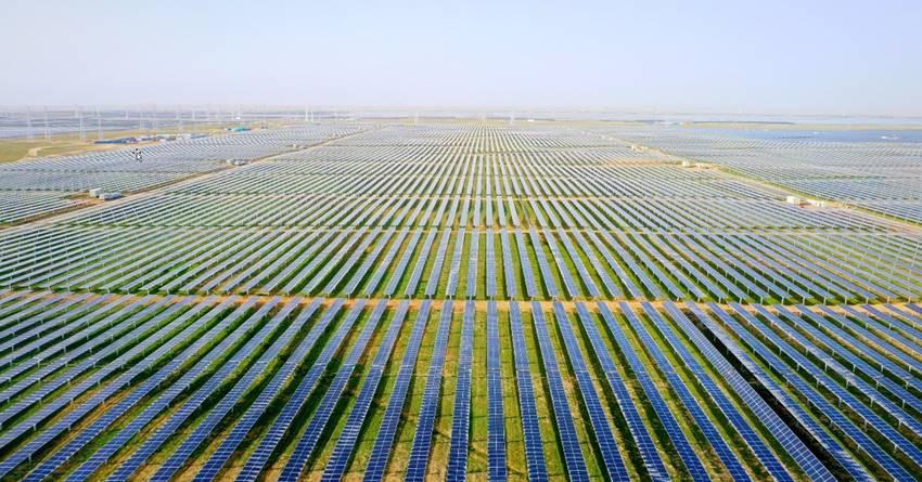 H λύση Smart PV της Huawei συμβάλλει στην επιτυχή σύνδεση του μεγαλύτερου φωτοβολταϊκού σταθμού διεθνώς