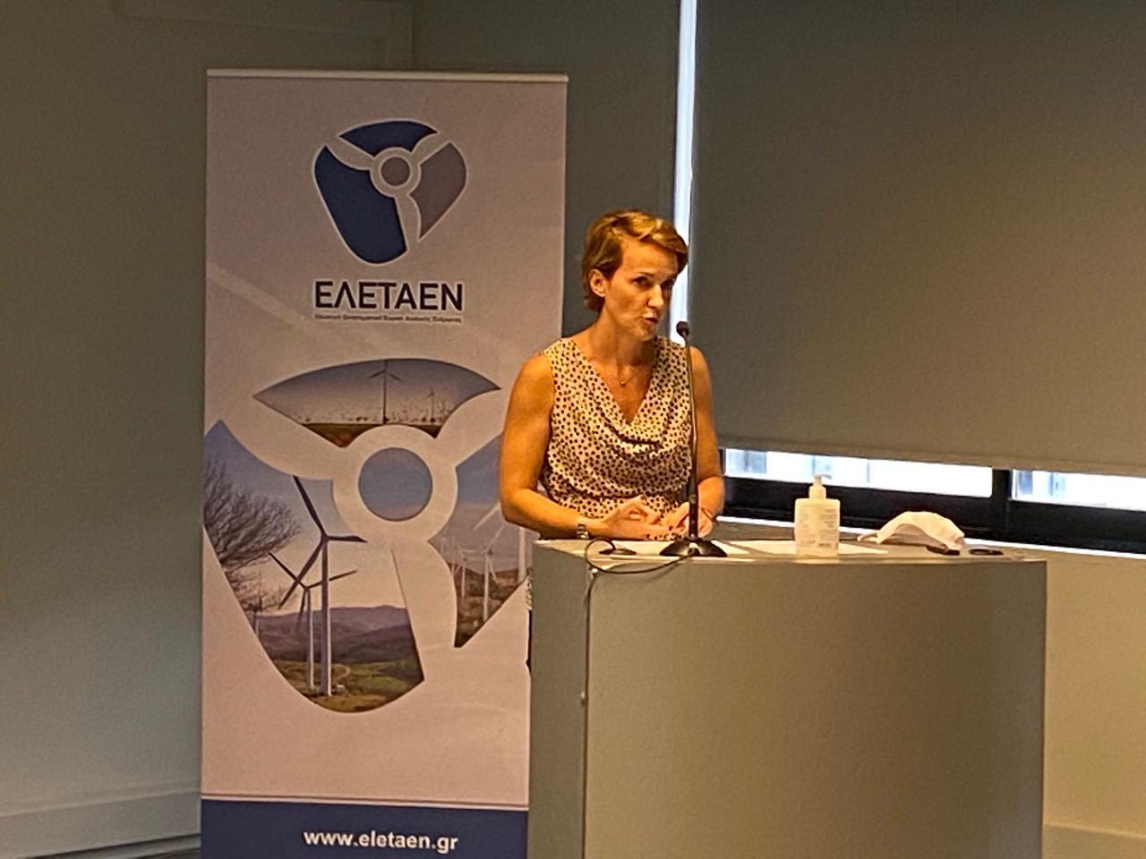 Αλεξάνδρα Σδούκου: Οι τρεις άξονες της ρύθμισης που επεξεργάζεται το ΥΠΕΝ για τα θαλάσσια αιολικά πάρκα